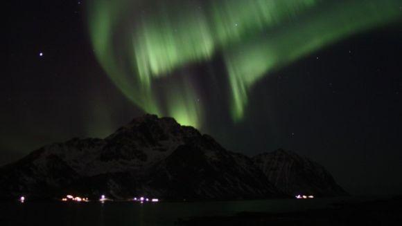 Nordlicht über Napp, Norwegen (Jan-Roger Steen Jensen)