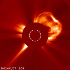 Sonneneruption der X-Klasse am 27. Januar 2012 (SOHO / ESA & NASA)