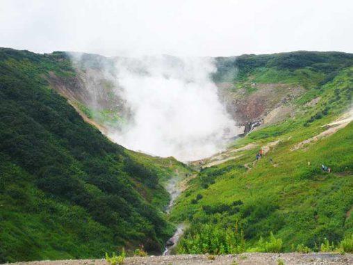 Eine geothermale Quelle in der Mutnovsky-Vulkanregion in Kamtschatka, Russland (Photo by Rachel Whitaker)