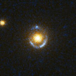 Der Einstein-Ring SDSS J073728.45+321618.5 (NASA, ESA, A. Bolton (Harvard-Smithsonian CfA) and the SLACS Team)