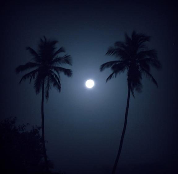 Super-Vollmond vom 5. Mai 2012 über Mumbai, Indien (Foto: Jatin Raval)