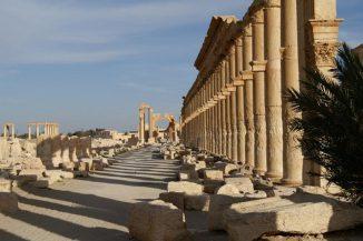 Die Hauptstraße Palmyras war eine der längsten und monumentalsten im Oströmischen Reich. (Photo by J.C. Meyer)