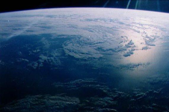 Das Schimmern des Ozeans, beobachtet aus dem Weltraum. (NASA / JSC)