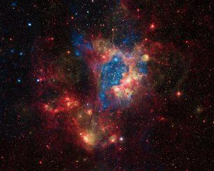 Der Sternhaufen NGC 1929 im Nebel N44 in der Großen Magellanschen Wolke, aufgenommen vom Weltraumteleskop Chandra. (X-ray: NASA / CXC / U.Mich. / S.Oey, IR: NASA / JPL, Optical: ESO / WFI / 2.2-m)