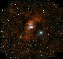 Weitwinkelansicht der Region um den Blasennebel NGC 7635, aufgenommen mit der neuen ODI-Kamera des 3,5-Meter Teleskops am Kitt Peak Observatorium. (T.A. Rector (University of Alaska Anchorage), WIYN ODI team & WIYN / NOAO / AURA / NSF)