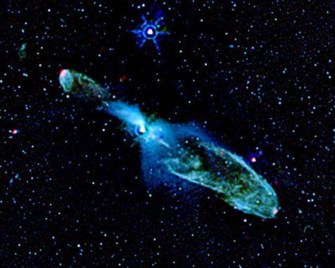 Das Herbig-Haro-Objekt HH 46/47 und dessen Umgebung. (NASA / JPL-Caltech / T. Velusamy (JPL))