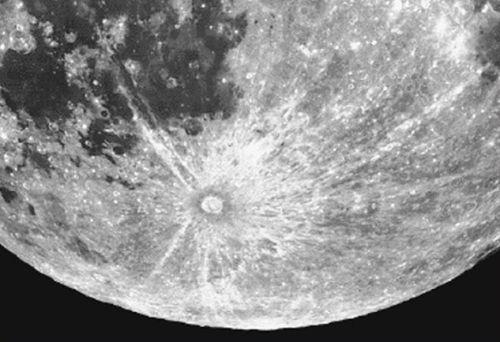 Krater Tycho (Courtesy of NASA / HST)