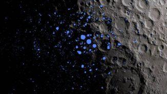 Diese Karte zeigt die permanent im Schatten liegenden Regionen (blau) in der Nähe des lunaren Südpols. (Credits: NASA Goddard / LRO mission)