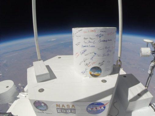Die Nutzlast der RaD-X-Mission steigt in die Stratosphäre auf, um kosmische Strahlung zu messen. (Credits: NASA)