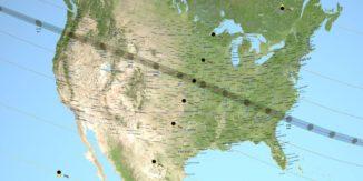 Die Bahn der Totalitätszone am 21. August 2017 führt quer über die Vereinigten Staaten. (Credits: NASA / Scientific Visualization Studio)