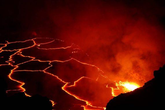 Nachtansicht des hawaiianischen Vulkans Kilauea. (Credits: NASA)