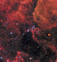 Diese Hubble-Aufnahme zeigt die Supernova SN 1987 (Bildmitte) in der Großen Magellanschen Wolke, einer Satellitengalaxie unserer Milchstraßen-Galaxie. (Credits: NASA, ESA, R. Kirshner (Harvard-Smithsonian Center for Astrophysics and Gordon and Betty Moore Foundation), and M. Mutchler and R. Avila (STScI))