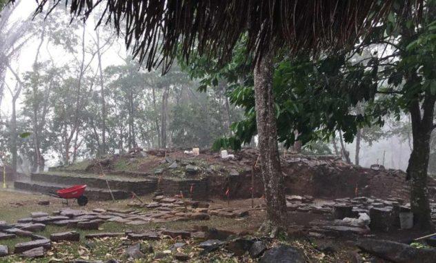 Ein Bild der Ausgrabungsstätte Nim Li Punit in Belize. (Credit: Geoffrey Braswell / UC San Diego)