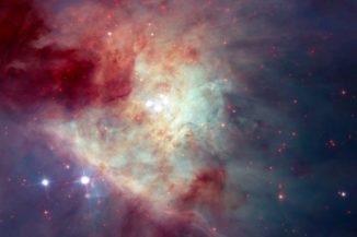Kompositbild des Kleinmann-Low-Nebels in optischen und infraroten Wellenlängen (NASA, ESA / Hubble)