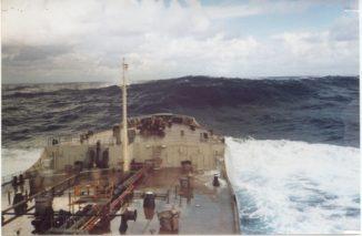 Eine 18,3 Meter hohe Monsterwelle vor der Küste von Charleston (South Carolina). Zum Zeitpunkt ihres Auftretens wehte nur ein leichter Wind von 15 Knoten. (Credit: NOAA)