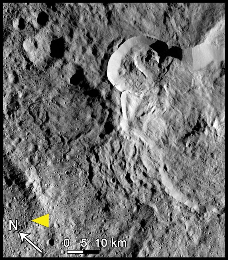 Erdrutsch des Typs III auf Ceres. (Credits: NASA/JPL-Caltech/UCLA/MPS/DLR/IDA, taken by Dawn Framing Camera)