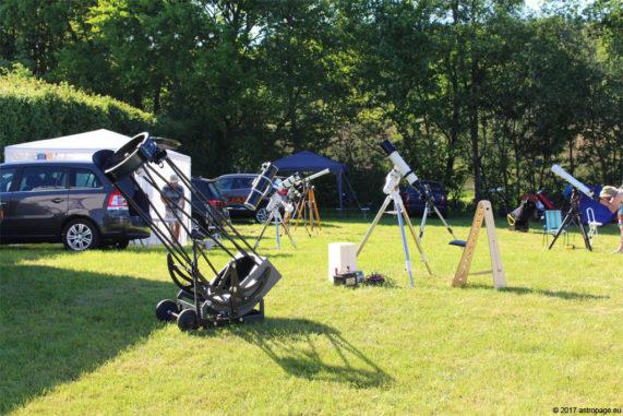 Teleskope in ihrem natürlichen Lebensraum. (Credit: astropage.eu)