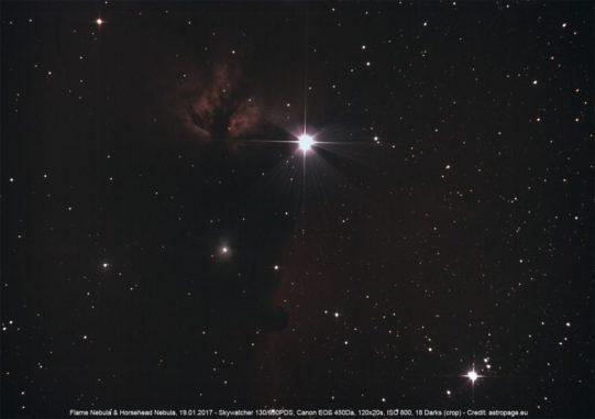 Der Pferdekopfnebel (unten) und der Flammennebel (links) gehören auch zum Orion-Komplex. (Credit: astropage.eu)