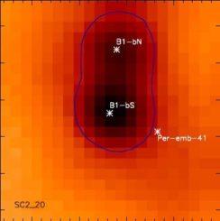 Ein sternbildender Kern mit zwei stellaren Embryos, aufgenommen in Submillimeter-Wellenlängen. (Credit: Sadavoy and Stahler)