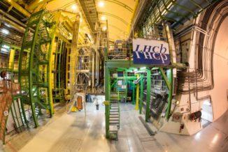 Der Raum mit dem LHCb-Experiment. (Credit: Image: Maximilien Brice / CERN)