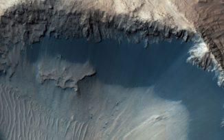 Sandablagerungen auf dem Mars, aufgenommen vom Mars Reconnaissance Orbiter. ( Credits: NASA / JPL-Caltech / Univ. of Arizona)