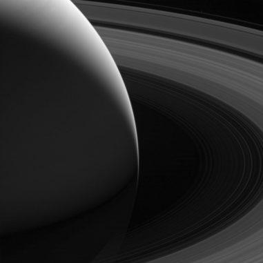 Saturn mit seinen Ringen, aufgenommen von der Raumsonde Cassini. (Credits: NASA / JPL-Caltech / Space Science Institute)