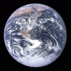 Die Erde, aufgenommen von den Astronauten der Apollo-17 am 7. Dezember 1972. (Credits: NASA)