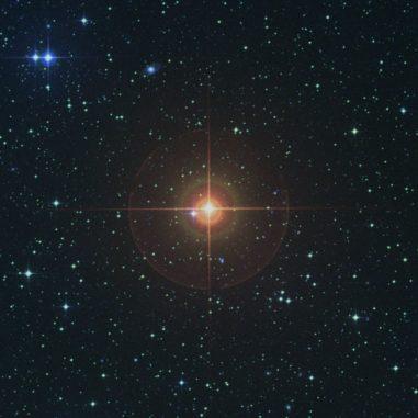 Die Umgebung des Sterns W Hydrae in sichtbaren Wellenlängen. (Credit: Digitized Sky Survey)