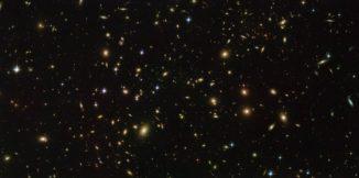 Hubble-Aufnahme des Galaxienhaufens Abell 2163. (Credits: ESA / Hubble & NASA)