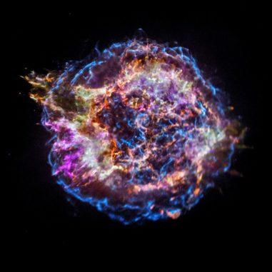 Der Supernova-Überrest Cassiopeia A, basierend auf Daten des Weltraumteleskops Chandra. (Credits: NASA / CXC / SAO)