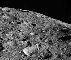 Diese Aufnahme von Ceres machte die Raumsonde Dawn am 16. Mai 2018 aus rund 440 Kilometern Entfernung. (Credits: NASA / JPL-Caltech / UCLA / MPS / DLR / IDA)