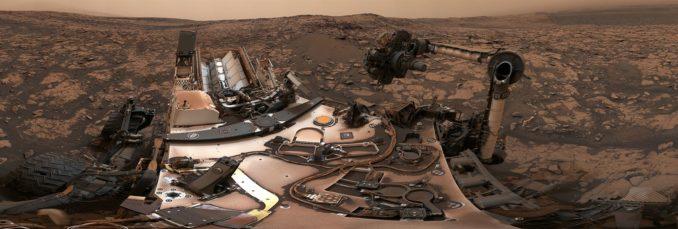 360-Grad-Panorama, aufgenommen vom Marsrover Curiosity am Vera Rubin Ridge. (Credits: NASA / JPL-Caltech / MSSS)