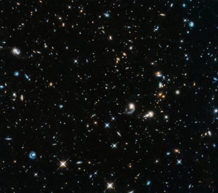 Galaxien im Sternbild Pegasus, aufgenommen vom Weltraumteleskop Hubble nach dessen Reaktivierung Ende Oktober 2018. (Credits: NASA, ESA, and A. Shapley (UCLA))