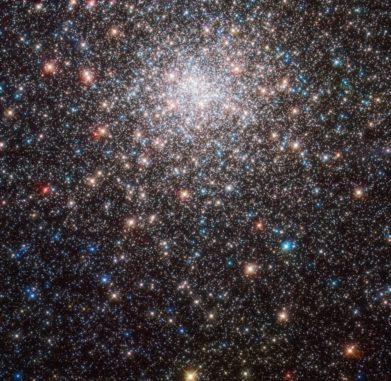 Hubble-Aufnahme des Kugelsternhaufens Messier 28. (Credits: ESA / Hubble & NASA, J. E. Grindlay et al.)