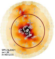Diese Karte zeigt die Galaxiendichte in dem massereichen Galaxienhaufen SPT-CLJ0421. (Credits: Strazzullo et al. 2019)