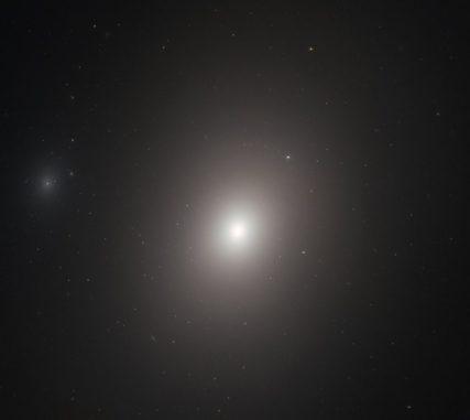 Hubble-Aufnahme der Galaxie Messier 86. (Credits: ESA / Hubble & NASA, P. Cote et al.)
