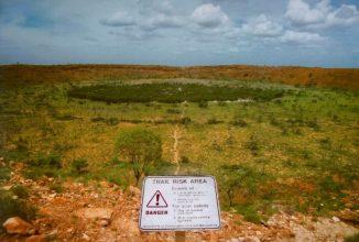 Der Wolfe-Creek-Krater in Australien. (Credits: Wikipedia / User: Kookaburra / gemeinfrei)