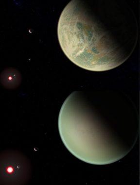 Künstlerische Darstellungen von Exoplaneten mit Wasser (oben) und ohne Wasser (unten) auf ihren Oberflächen und mit sauerstoffreichen Atmosphären. Der rötliche Punkt ist der Zwergstern des M-Typs, den die Planeten umkreisen. Der trockene Planet liegt näher an seinem Heimatstern, so dass er größer erscheint. (Credits: NASA / GSFC / Friedlander-Griswold)