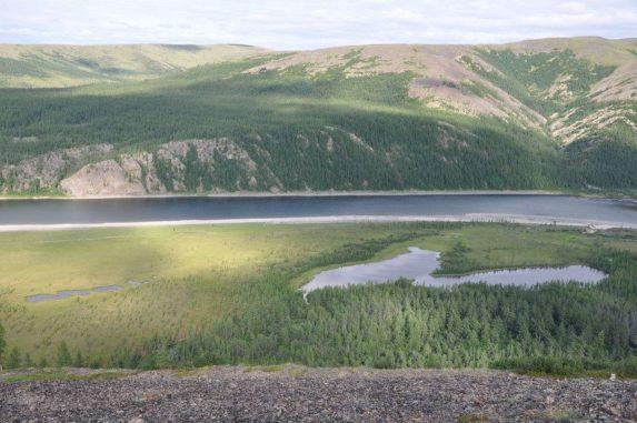 Die Eruption des Sibirischen Trapp führte vor 252 Millionen Jahren zu einem massiven Massenaussterben auf der Erde. (Photo credit: B. Black and L.T. Elkins-Tanton)