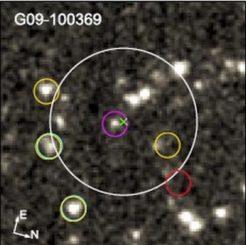 Spitzer-Aufnahme von ultraroten, leuchtkräftigen Galaxien, deren Licht etwa zwölf Milliarden Jahre zu uns unterwegs war. (Credit: IRAC / Spitzer / Ma et al., 2020)