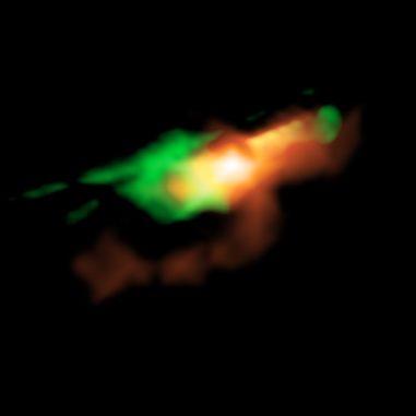 Rekonstruiertes Bild dessen, wie MG J0414+0534 nach Abschaltung der Gravitationslinseneffekte aussehen würde. (Credit: ALMA (ESO / NAOJ / NRAO), K. T. Inoue et al.)