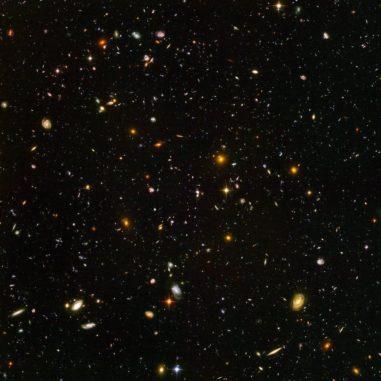 Das Hubble Ultra Deep Field zeigt auch Galaxien aus einer Zeit, als das Universum gerade 800 Millionen Jahre alt war. (Credits: NASA, ESA, and S. Beckwith (STScI) and the HUDF Team)