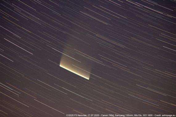 Der Komet C/2020 F3 Neowise als Strichspur, aufgenommen am 17. Juli 2020. (Credit: astropage.eu)