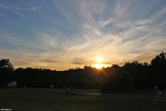 Eine linke Nebensonne, aufgenommen am Abend des 12. Juli 2020. (Credits: astropage.eu)