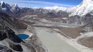 Der Gletschersee Imja nahe des Mount Everest im Himalaya wuchs seit 1990 auf das Dreifache seiner damaligen Länge an. (Credits: Planetary Science Institute / Jeffrey S. Kargel)