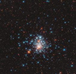 Hubble-Aufnahme des Kugelsternhaufens NGC 1805. (Credits: ESA / Hubble & NASA, J. Kalirai)