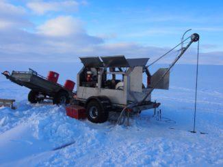 Der Heißwasserbohrer, der für die Bohrung in den Gletscher hinab zu den darunter liegenden Seen verwendet wurde. (Credit: Eric Gaidos)