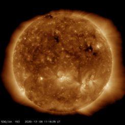 Ein aktuelles Bild der Sonne, aufgenommen am 9. Dezember 2020 vom Solar Dynamics Observatory (SDO). (Credits: Courtesy of NASA / SDO and the AIA, EVE, and HMI science teams)