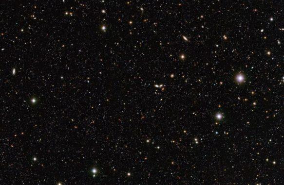 Ferne Galaxien, aufgenommen mit dem Very Large Telescope der Europäischen Südsternwarte. (Credits: ESO / Mario Nonino, Piero Rosati and the ESO GOODS Team)
