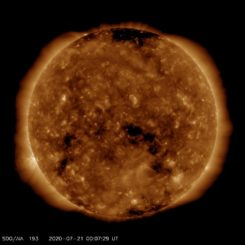Ultraviolettbild eines koronalen Lochs auf der Sonne, aufgenommen vom Solar Dynamics Observatory (SDO). (Credits: Courtesy of NASA / SDO and the AIA, EVE, and HMI science teams)
